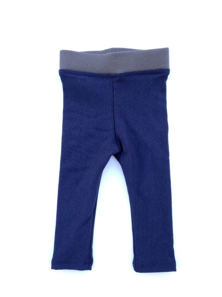 Dubbed 'My most comfy pants' by my 5 year old son. Your littles are going to fall in love with these super-soft and very comfortable leggings. These awesome slim fit, extra long leggings are great to wear on their own or perfect as a base layer under a snow suit. Perfect for kids of all sizes, including those with smaller waists. Yes, pants that will actually stay up! Made from an ultra-soft, fleece-lined bamboo fabric, they are a must have for your little one. Customer review by Dana from…