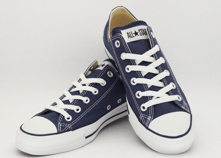 Navy Blue Converse. I really want a pair of these to wear with my school uniforms...