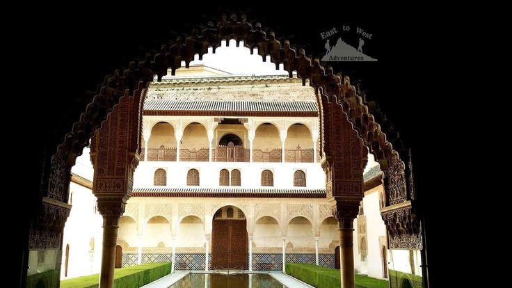 The fine detail on the arches is amazing.  #alhambra #spain #granada #explore #summer #architecture #arches #pool #wooden #doors #history  #مغامرات_من_الشرق__الى_الغرب #اسبانيا #الاندلس #قصر_الحمراء #غرناطة #جنة_العريف