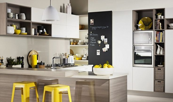 Love this light and bright kitchen!