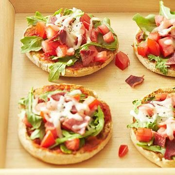 Arugula BLT Pizzas