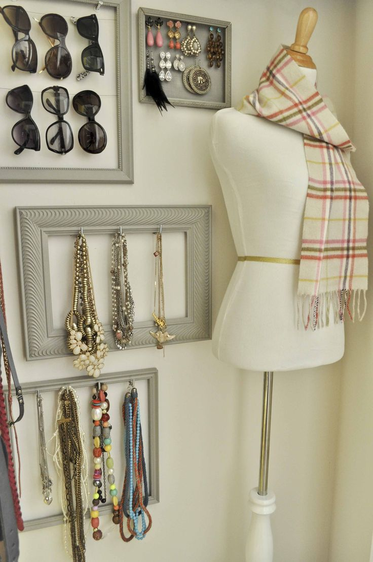 accessories.: Accessories Wall, Closet Wall, Jewelry Storage, Cute Idea, Old Frames, Sunglasses, Diy'S Accessories, Pictures Frames, Walks In