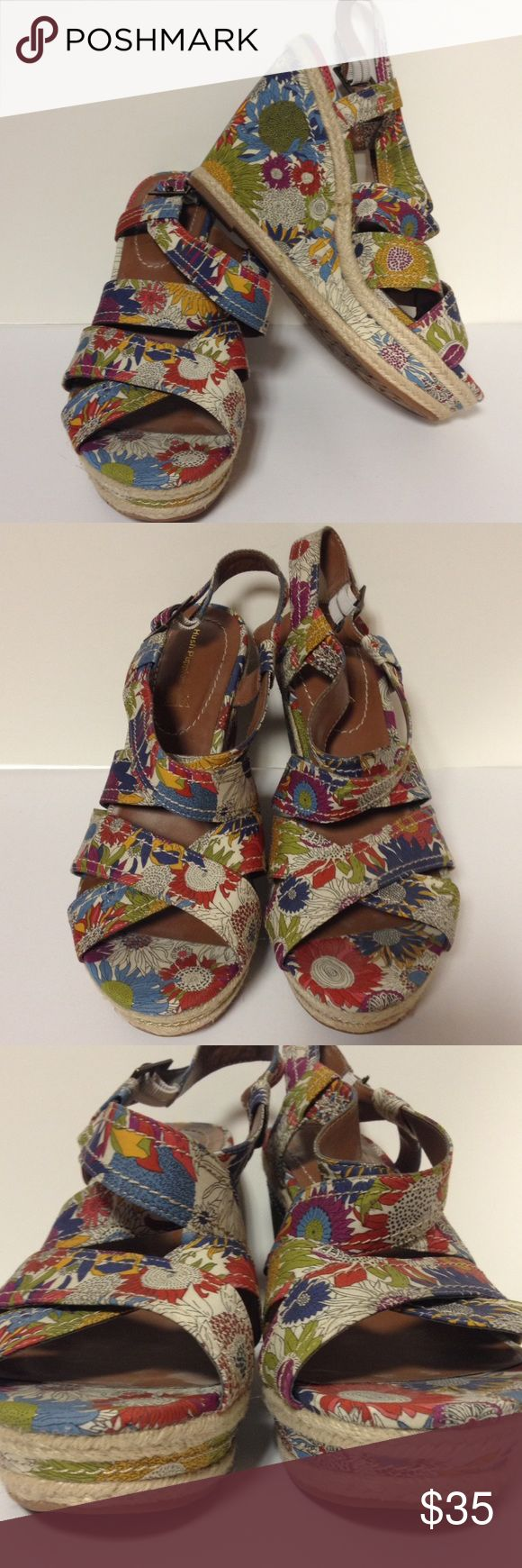 """Hush Puppies floral wedge sandals size 10 Love the colors.  Adorable shoes.  Perfect with any outfit.  Size 10.  Wedge is approximately 4 1/2"""" Hush Puppies Shoes Wedges"""