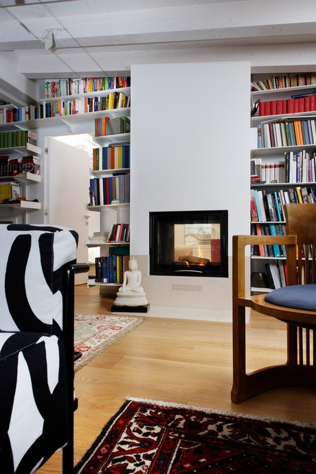 mcz fireplace inside a bookcase kamin bcherregalkaminumrandungideen - Bcherregal Ideen Neben Kamin
