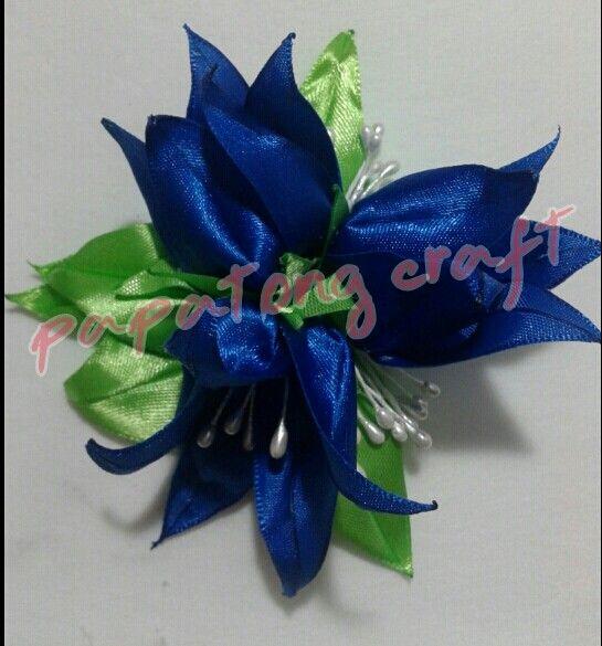 Bluebell flower broch