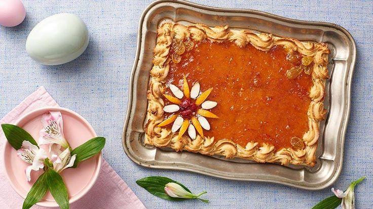 Szukasz sprawdzonych przepisów na ciasta wielkanocne? Zajrzyj do Kuchni Lidla i wypróbuj przepis Pawła Małeckiego na mazurek pomarańczowy.