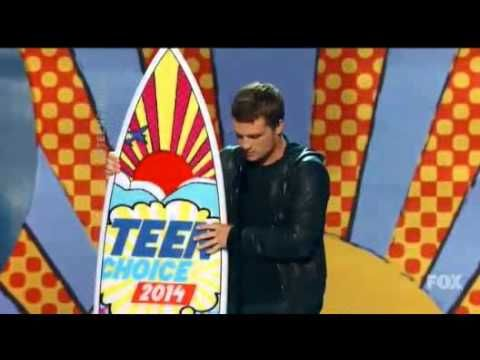 josh hutcherson wins teen choice awards 2014 - acceptance speech HQ