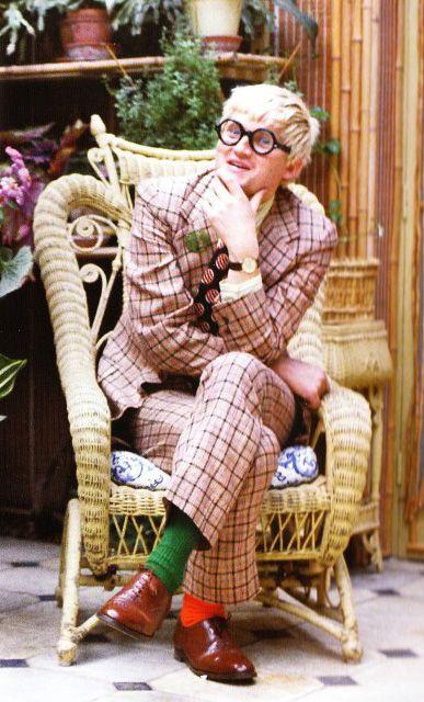 Дэвид Хокни  ( David Hockney) -  английский художник, график и фотограф, который значительную часть жизни провел в США.