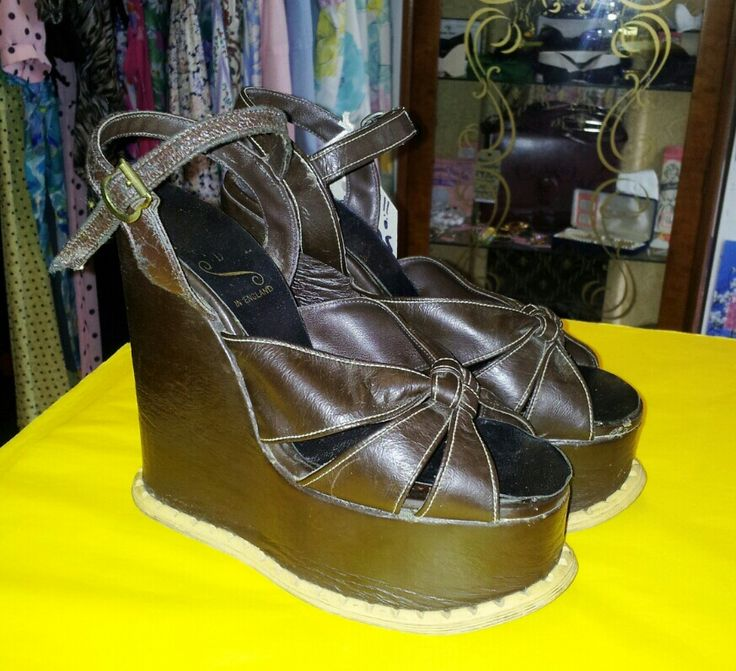 Amazing!!! Late 1960's Wedge Heels Size 3 to 4