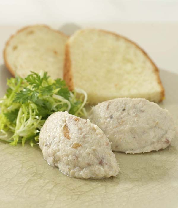 This wonderful mackerel rillettes recipe by Martin Wishart is wonderful to make for a dinner party. Rillettes are similar to pâté but usually have a thicker consistency.
