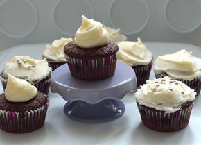 crown royal whiskey cupcakes (aka boozy cupcakes)