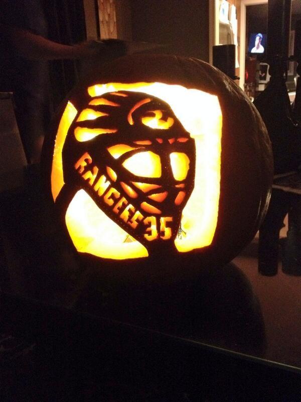 New York Rangers pumpkin (Photo by: Twitter fan @Lauren Davison Davison Davison Patsarikas) #HockeyHalloween