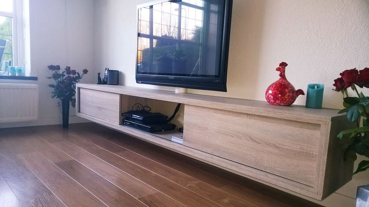 149 best images about diy furniture plan projects to try on pinterest floating tv stand - Sofa kleine ruimte ...