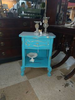 Holly Gleasure Painted This End Table With Pure Ocean. Furniture ...