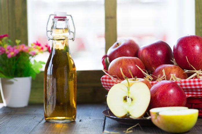 Когда речь заходит об уксусе, большинство людей сразу же думают о еде. Конечно, вы можете использовать яблочный уксус для приготовления пищи, он прекрасно подходит для приготовления салатной заправки....
