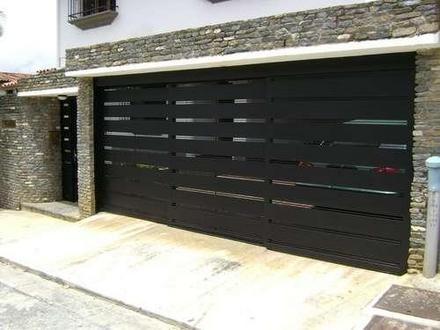 M s de 25 ideas fant sticas sobre garaje de cochera en for Puertas de frente modernas