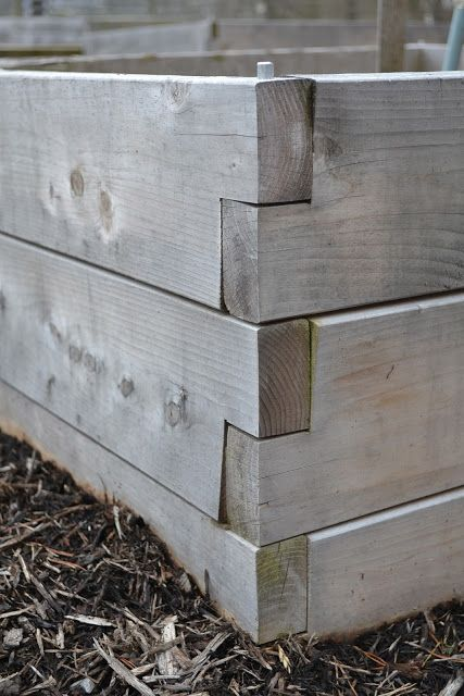 notched boxes with rebar supports via Bee Haven Acres  This will be great, I need to rebuild my boxes in the spring!