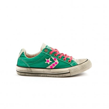 CONVERSE - STAR PLAYER OX NEON,sneakers in tessuto effetto vntage con borchie applicate.