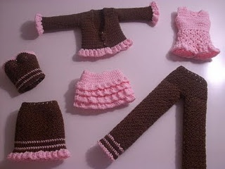 6 piece mix & match barbie outfits: Free Crochet, Buttons Body, Barbie Clothing, Dolls Clothing, Barbie Dolls, Crochet Patterns, Body Types, Belly Buttons, Barbie Outfits