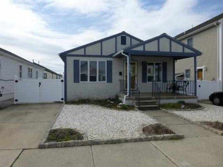 Sold! 122 W. St. Louis Avenue, Wildwood Crest. Cute Bayside 3 bedroom/1.5 baths.   www.NJByTheSea.com