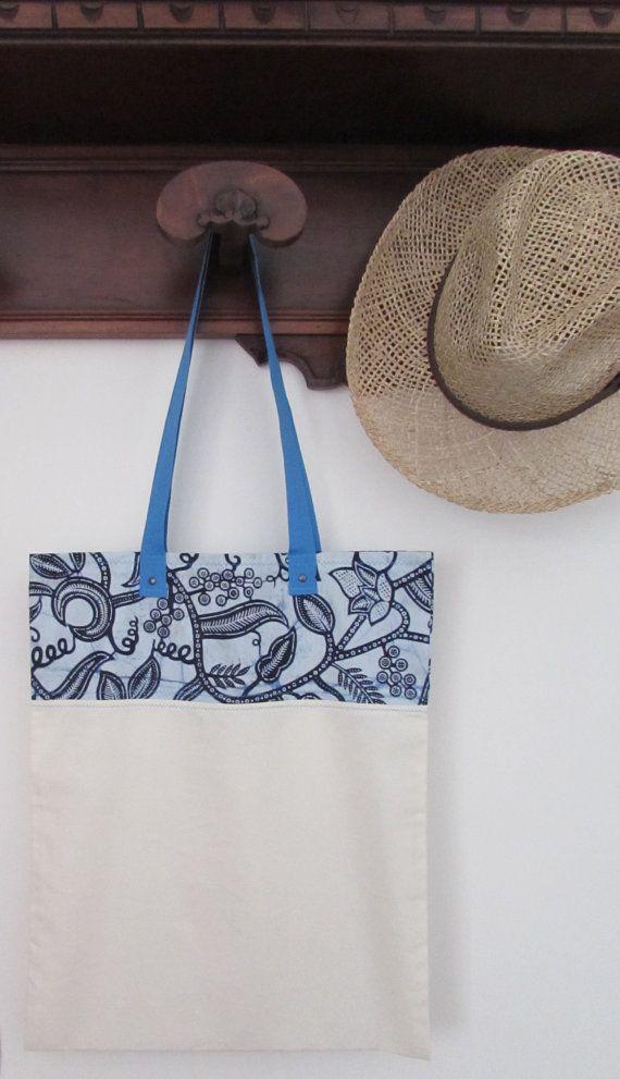 Borsa in tela di cotone e stoffa africana, shop bag stoffa africana, wax africano color grigio blu con manico azzurro. Pezzo unico,