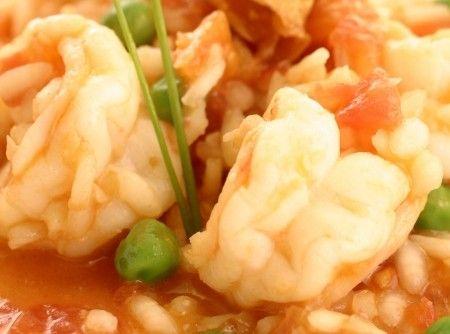 Receita de Risoto de Frutos do Mar - Arroz Camil Culinária Italiana, camarão, camarão pistola, vieira, lula, polvo, caldo de camarão, tomate, vinho branco, a...