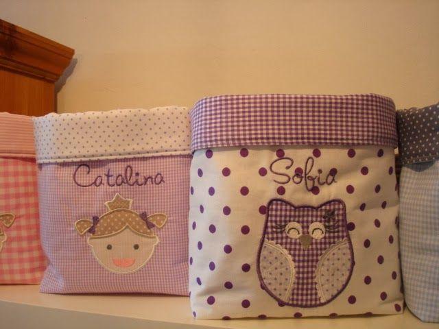 Sacolas de tecidos com desenhos bordados padronizado