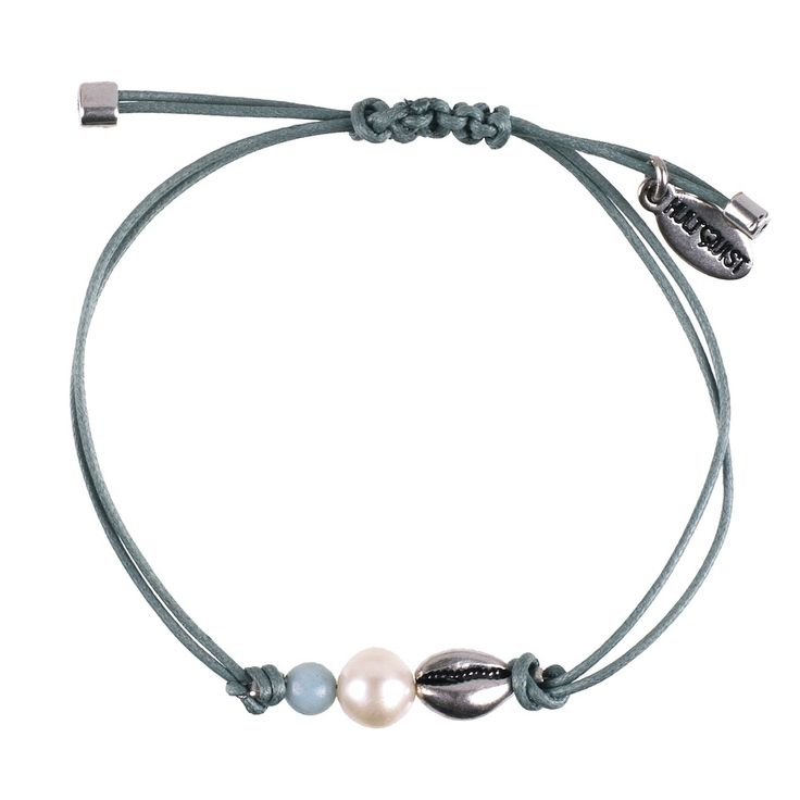 Sun shining beach days with warm salty breezes. Celebrate Summer with this gorgeous macrame' braceletfrom Hultquist-Copenhagen's Under The Waves collection