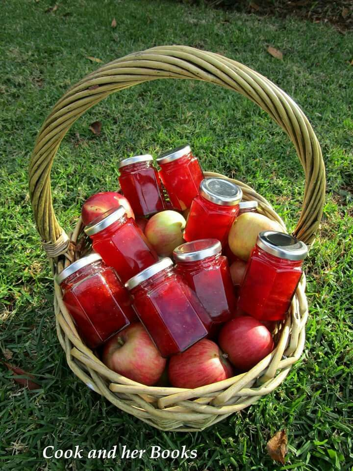 Strawberry and Apple Conserve  -  facebook.com/cookandherbooks/