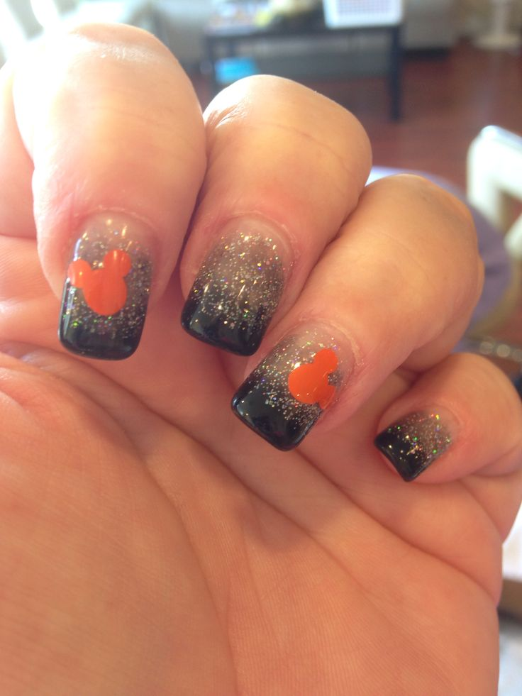 Disney Halloween Nails - I will do red where the black is and black where the orange is, other times of the year.