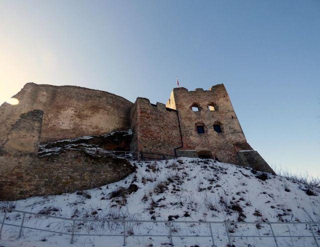 Podróżujemy po Polsce i nie tylko...: Zamek w Czorsztynie w zimowej odsłonie
