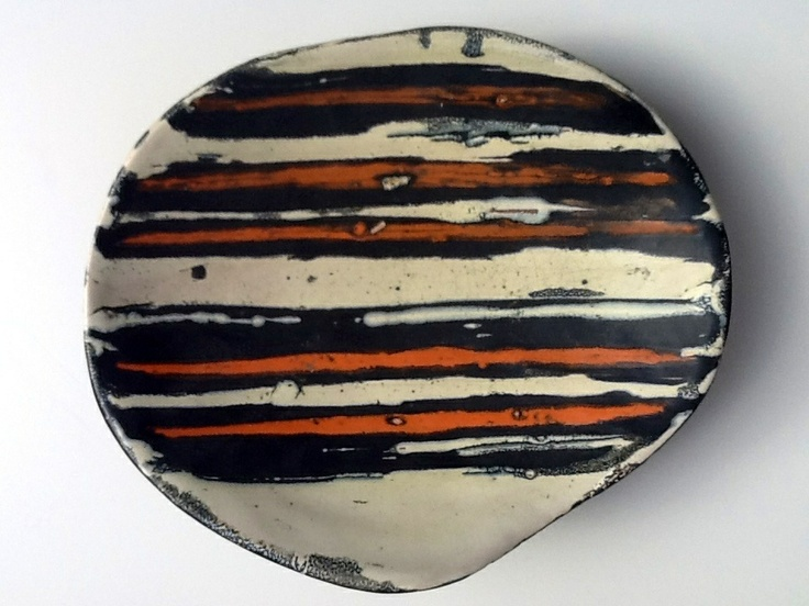 Small plate with stripes
