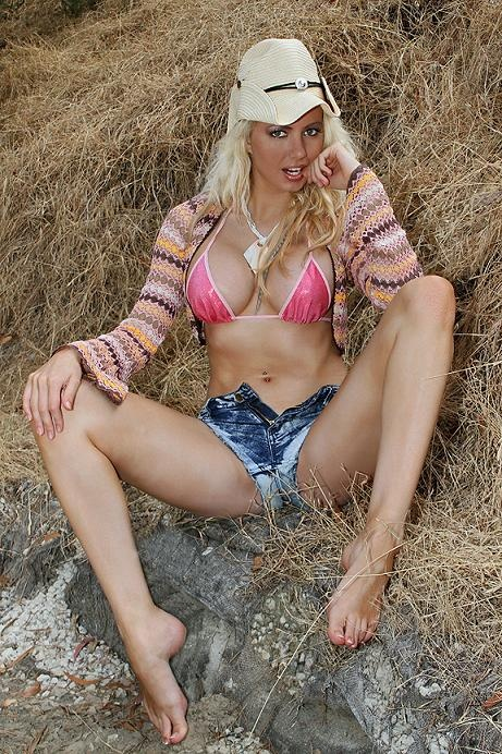 Foto model indonesia sexy nude