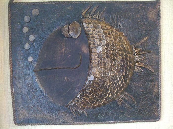 "Панно ""Золотая Рыбка"" с чешуей из монет."