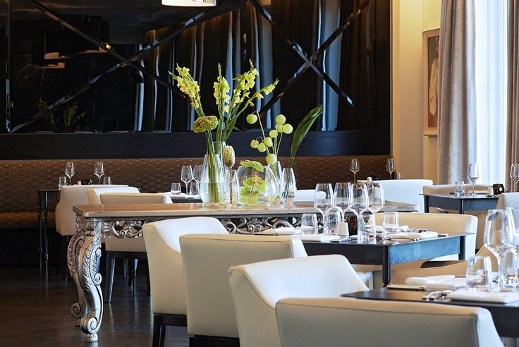 Fine Dining at the Dash Restaurant in the Queen Victoria Hotel in Cape Town city