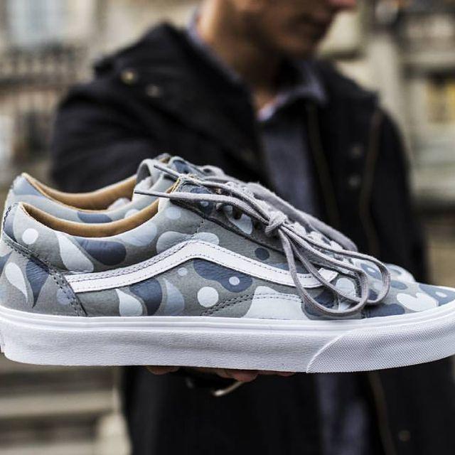 """Vans Old Skool """"What The?"""" custom  Shot by @nutakiki  #jacquardproducts #jacquard #customizerdepot #nothingbutcustoms #custompainted #hotkicks #kicksonfire #kicksology #kicksphoto #vansforlife #vans #offthewall #sk8hi #sneakershots #sneakers #highsnobiety #hypebeast #kickstagram #airbrush"""