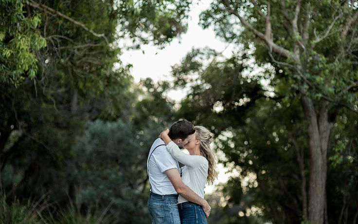 Muse Photography offers Wedding, Family, Glamour and Product Photography. We are based in Port Stephens and service Newcastle as well as the Hunter Valley