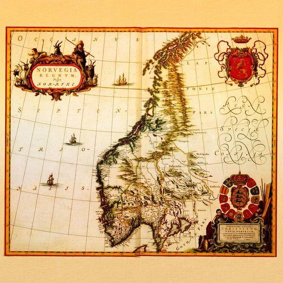Pôster Mapa Dinamarca (1631) - Feito em por Joan Blaeu em 1631 por ordem de Christian IV , rei da Dinamarca, o mapa mostra a Dinamarca incluindo a Noruega e parte da Suécia.
