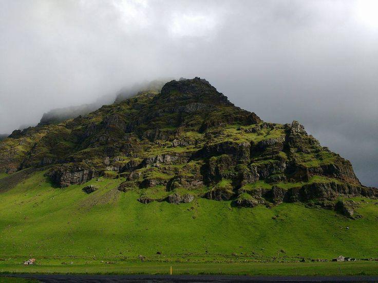 Ísland (Iceland).