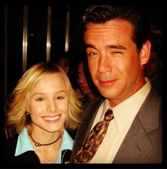 Kristen Bell (Veronica) and Daran Norris (Cliff McCormack) on the set of Veronica Mars.