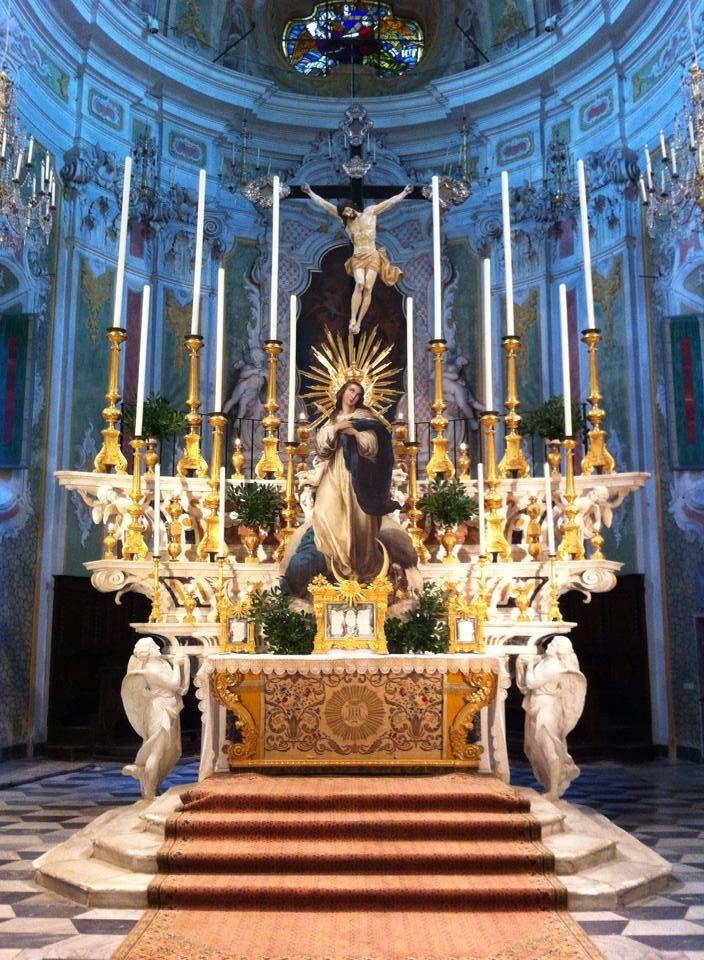 Altar of the Church of San Matteo Laigueglia