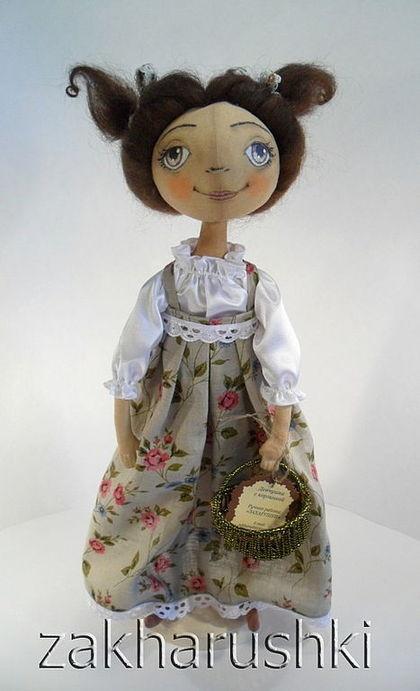 """Коллекционные куклы ручной работы. Ярмарка Мастеров - ручная работа Кукла """"Девчушка с корзинкой"""". Handmade."""