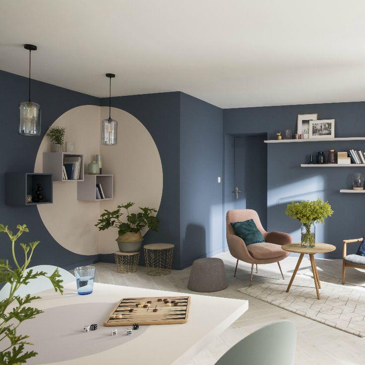 Dans le salon une association de couleurs compl te la Decoration murale peinture salon