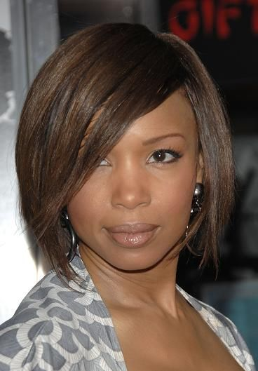 Actress Elise Neal shows off a great hairstyle for a round face