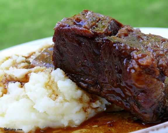 How I love braised short ribs, let me count the ways.... When it comes to short ribs, the secret is &helip;