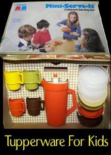 Vintage toys. Check out the sweet colors. ;) couldn't be a Tupperware ladies kid without this set!