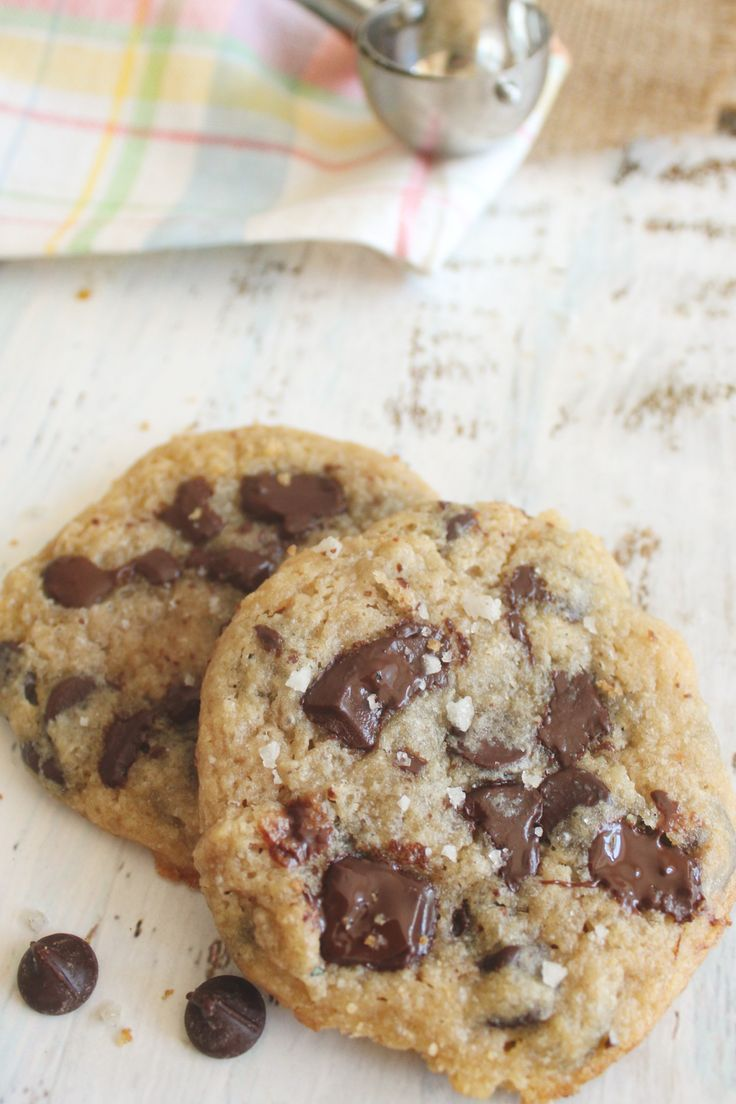 Jun 23, 2020 – These low carb chocolate chip cookies are sweet, buttery, gooey pieces of perfection! #keto #dairyfree op…