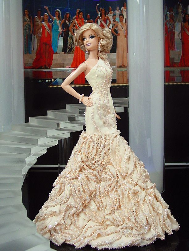 vestido de barbie com pedrarias  http://www.beadshop.com.br/?utm_source=pinterest&utm_medium=pint&partner=pin13