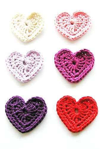 crochet valentine thingies - preshess.  I have NO idea what I would do with them...maybe garland...