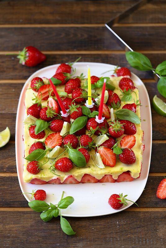 Un dejeuner de soleil: Gâteau d'anniversaire aux fraises et citron vert (...